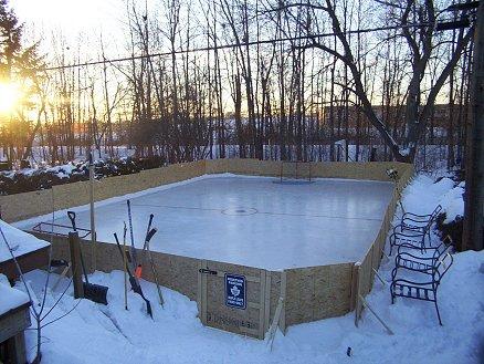 13 Backyard Rinks That Will Give You The Chills | Backyard, Hockey And  Hockey Stuff